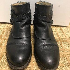 Frye bootie size 8- black